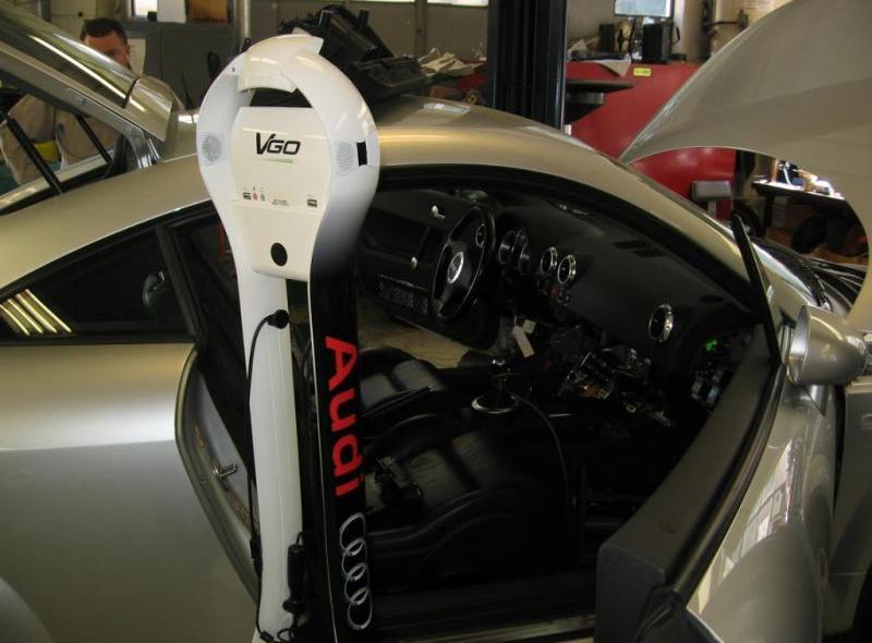 Robot mechanik od Audi
