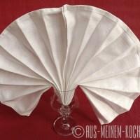 Servietten falten: Vom Tafelspitz zur Bestecktasche