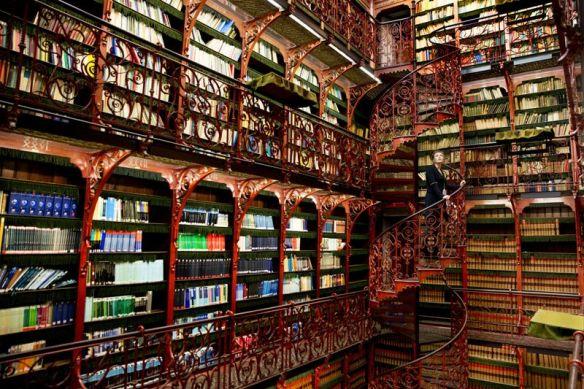 The Handelingenkamer Library ~ The Hague, Netherlands. Image Source: CC-Zero PD Permisson-http/www.rijksvastgoedbedrijf.nlcopyright