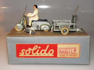 superbe coffret Solido avec sa clef de montage