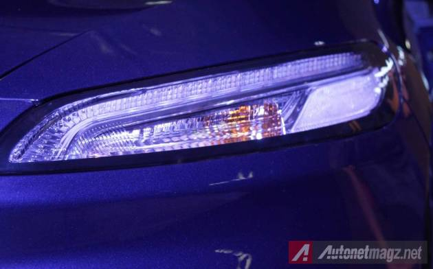 2015-Jeep-Cherokee-LED