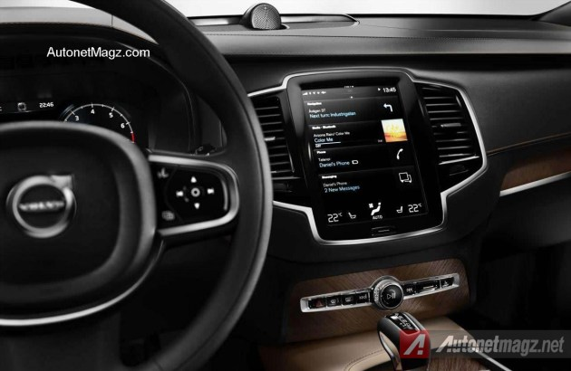 Volvo-XC90-2016-Tablet