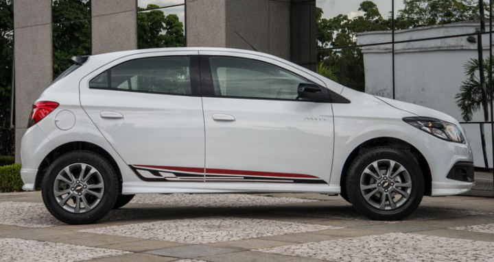 chevrolet onix effect lateral
