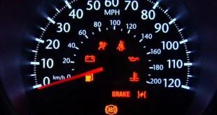 Jak wymienić oświetlenie licznika w samochodzie?