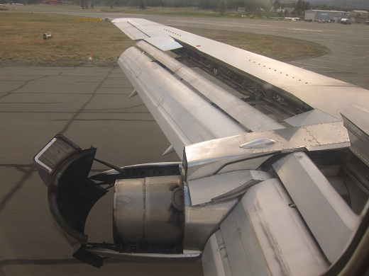 Air North 737-200 Thrust Reverser Deployed