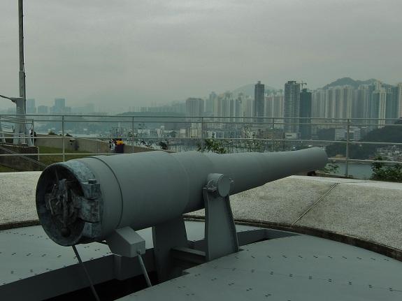 Disappearing Gun at Hong Kong Museum of Coastal Defence