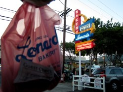 Leonards Bakery Hawaii Sign and Bag