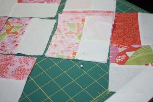 avery lane blog quilt sew along tutorial zigzag or chevron doll quilt3
