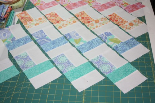 avery lane blog quilt sew along tutorial zigzag or chevron doll quilt6