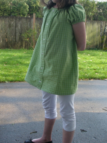 Avery Lane Blog: tutorial how to cut up a dress shirt and make it into a peasant dress for a little girl