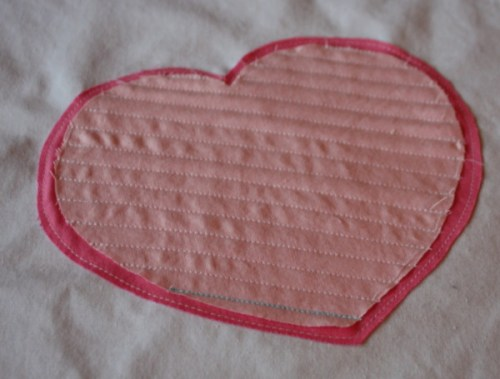 AveryLaneSewing.com heart applique tutorial for Valkentine's day