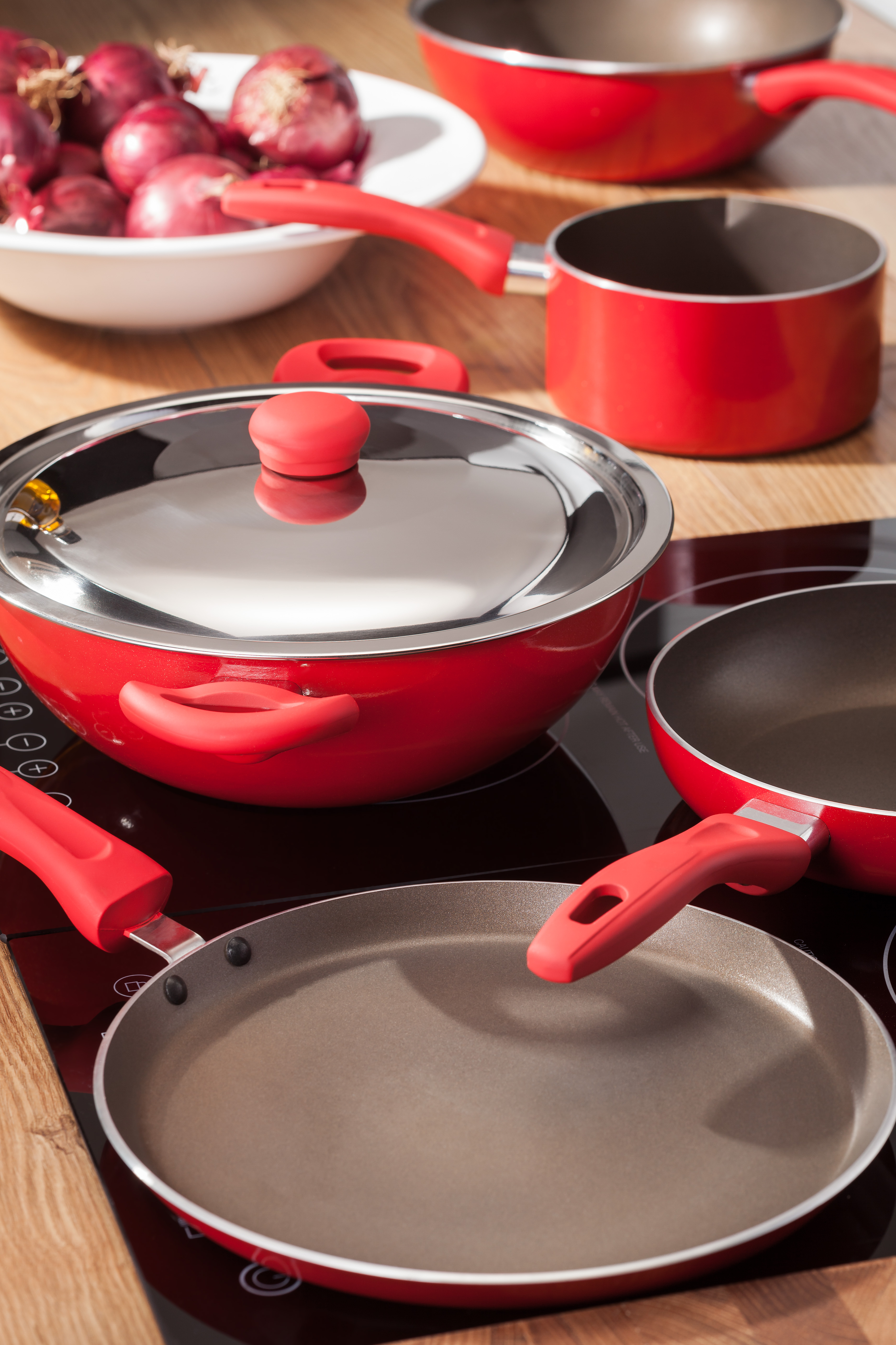 Judge Radiant Cookware