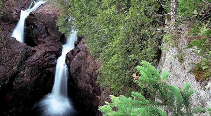 devils kettle falls water