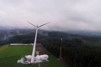 Allgäuer Überlandwerk sprengt zwei Windkraftanlagen im Allgäu Screencap