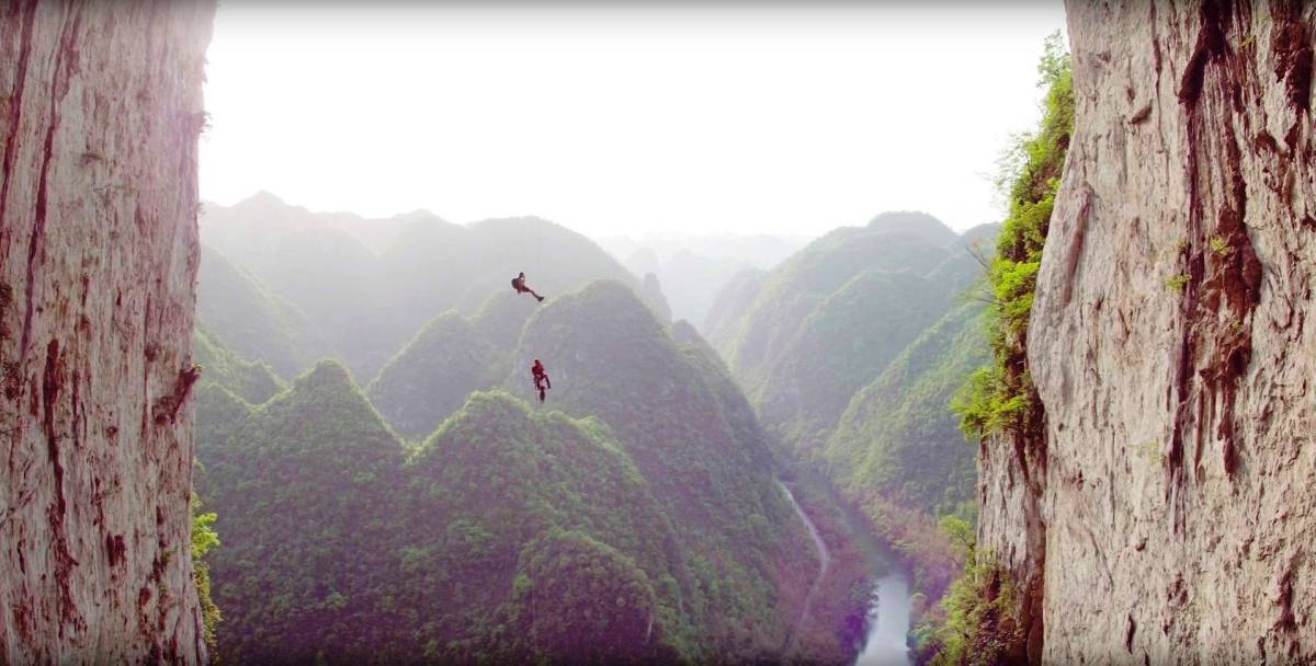 So spektakulär hängen Alex Honnold & Felipe Camargo in China ab