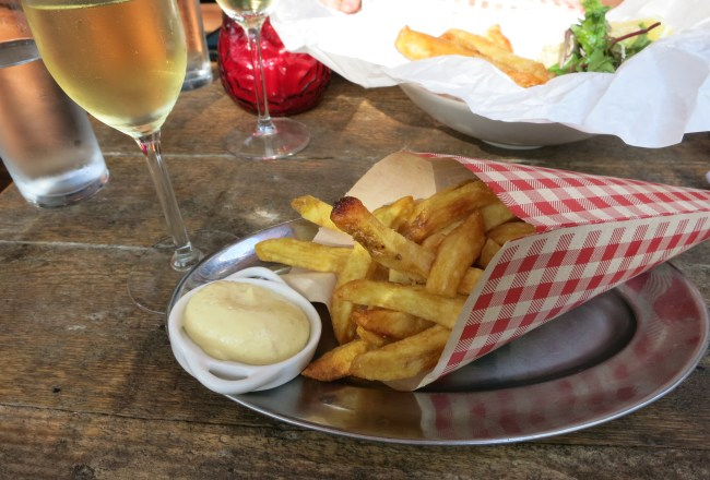 Stop by Frites uit Zuyd for a piping hot cone of potato goodness. Or take a seat in Cafe Par Hasard for more relaxed dining experience.