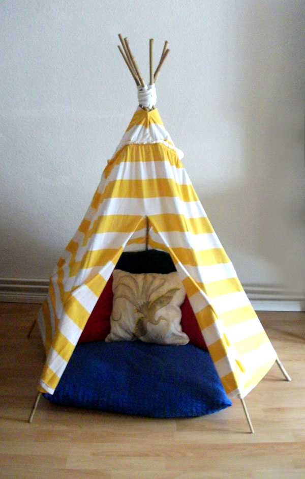 easy peasy DIY tot teepee
