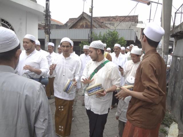 AhmadPernikahanKampungArabSurabaya04