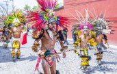 SAN MIGUEL DE ALLENDE , MEXICO - MAY 31 : Native Americans with traditional costume participates at the festival of Valle del Maiz on May 31 , 2015 in San Miguel de Allende ,Mexico.