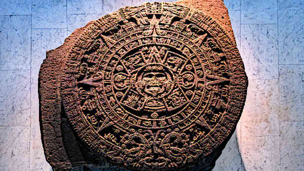 Aztec-Artifacts-Aztec-calendar-stone-in-National-Museum-of-Anthropology-Mexico-City