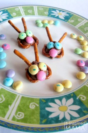 Easy Easter Bunny Pretzel Treats to Get the Kids in the Kitchen at B-Inspired Mama