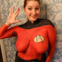 Boobs for Spock: @KayleePond's Topless Tribute to the Late Leonard Nimoy