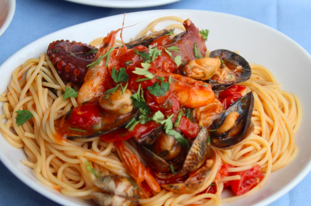 ピグナータのスパゲティー(Spaghetti alla pignata) (出典:著者撮影)
