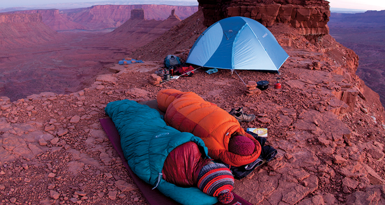 Top 5 sleeping bags / accessories for backpackers