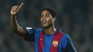 Watch Patrick Kluivert's stunner for the Barcelona legends