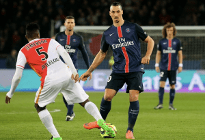 Pic: Zlatan Ibrahimovic confirms Manchester United move