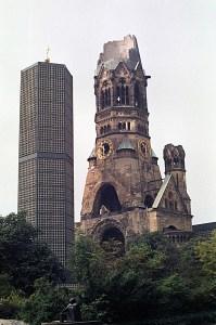 Berlin-Kaiser-Wilhelm-Gedaechtniskirche-1-a19772025