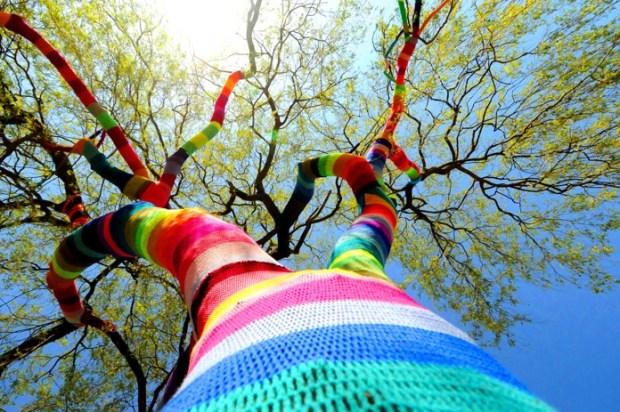 Yarnbombing - Graffiti Knitting 1