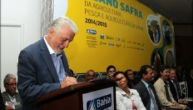 Wagner assina Plano Safra 2014/2015 para agricultura familiar