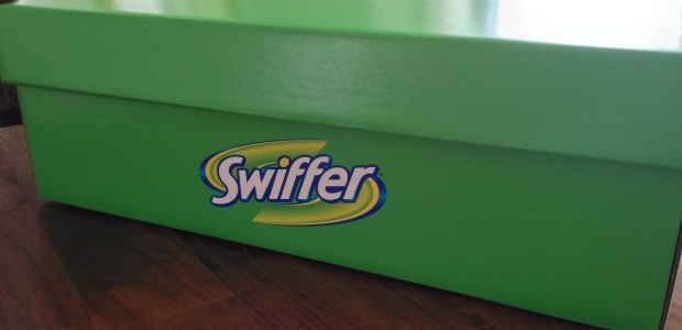 Review: Cleaning Up After Four Crazy Pugs With Swiffer WetJet