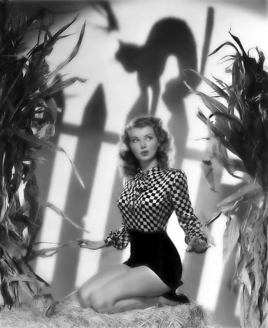 Halloween Pin-Up Girl Lilian Wells