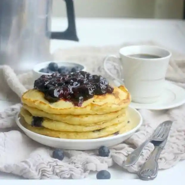 blueberr-buttermilk-pancakes-square
