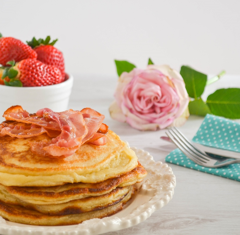 Fluffy Ricotta Pancakes - Bakes by Chichi