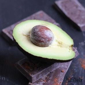 Vegan Avocado Chocolate Cupcakes with Vegan German Buttercream | Bake to the roots