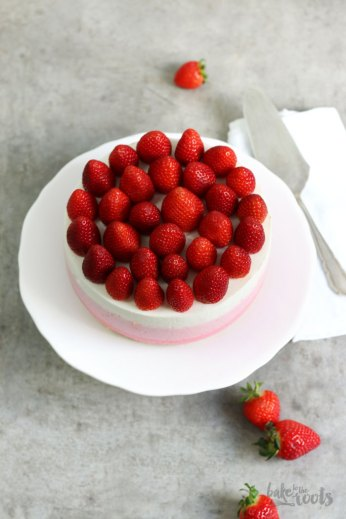 Strawberry Ombre Cheesecake | Bake to the roots