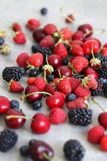 Summer Berry Pie | Bake to the roots