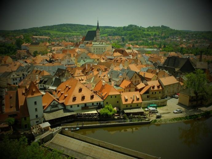 cesky-krumlov-red-rooftops
