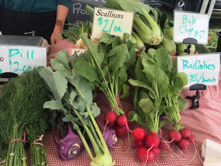 farmers-market-xiong-produce