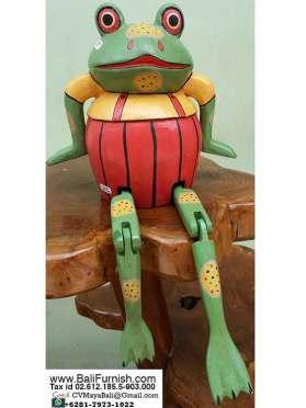 frog-shelf-sitters-wood-carvings-bali