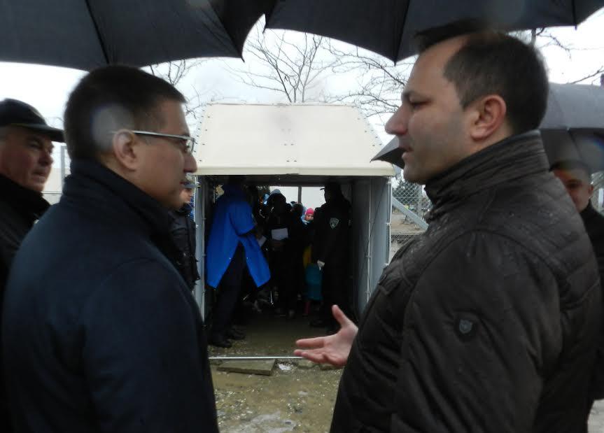 Makedonija: Stefanović obišao 20 srpskih policajaca koji čuvaju makedonsko – grčku granicu