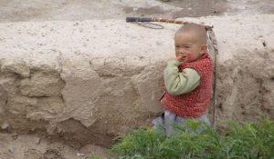 Kleiner Junge am Sayram See