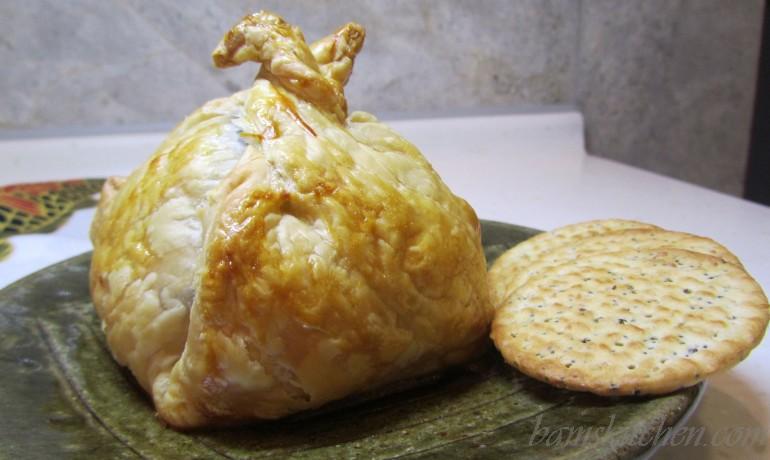 Bam 39 s kitchen mini holiday mediterranean brie en croute for Mandolin mediterranean kitchen
