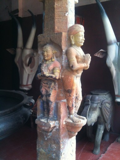 Antique sculptures for sale in Jew Town
