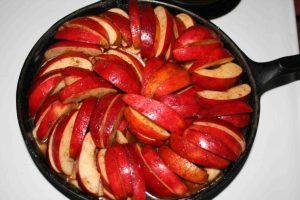 Skillet Apple Cake is fast & easy!