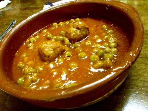 Spanish-food-tapas-Barcelona-Rincon-del-Cava-albondigas
