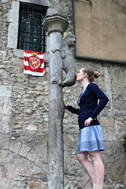 girona-kissing-legends-lion-lleona-de-girona-kiss